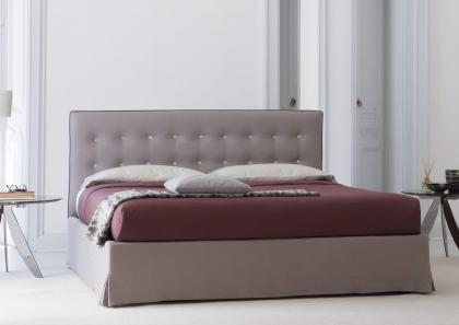MARAIS BED