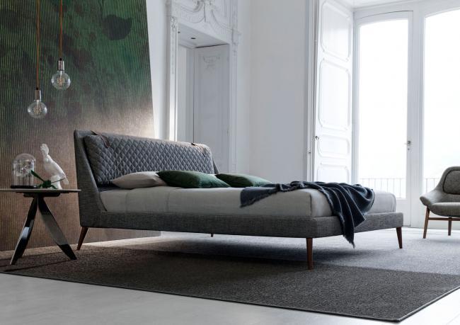Modern Bed with High Feet - Berto Salotti